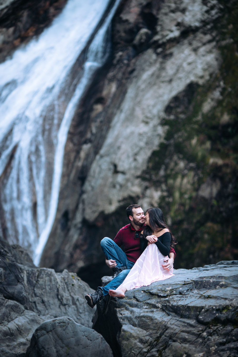 Seattle-Engagement-Photographer-Waterfall.jpg