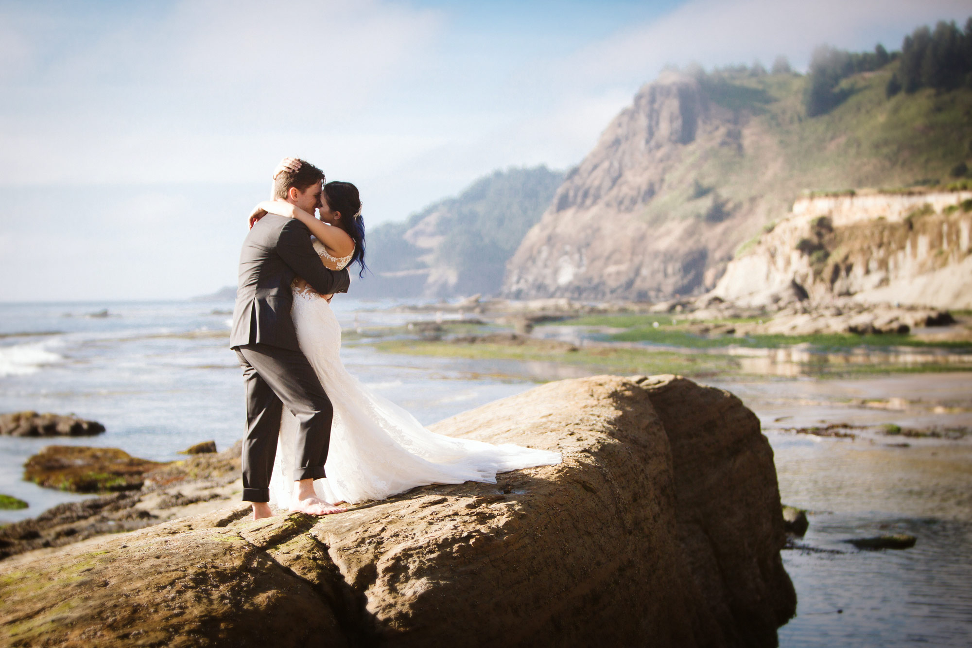 Orgeon-Coast-Wedding-WindKiss.jpg