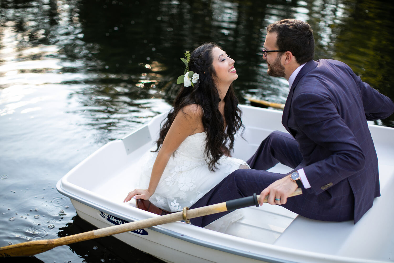 Seattle-Photographer-Danielle-Barnum-Cedar-Springs-Boat.jpg