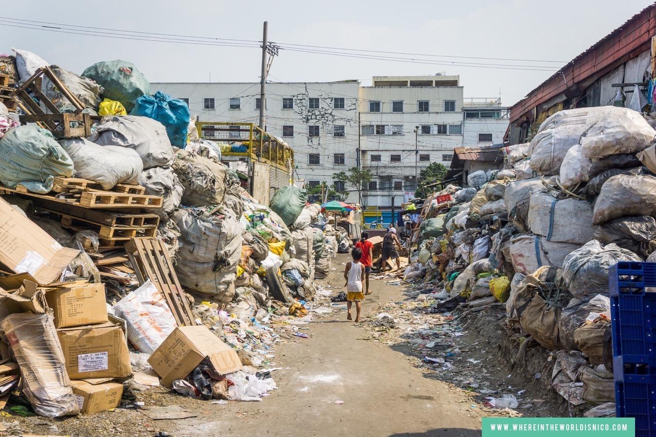 happyland-tondo-manila-trash-alley.jpg