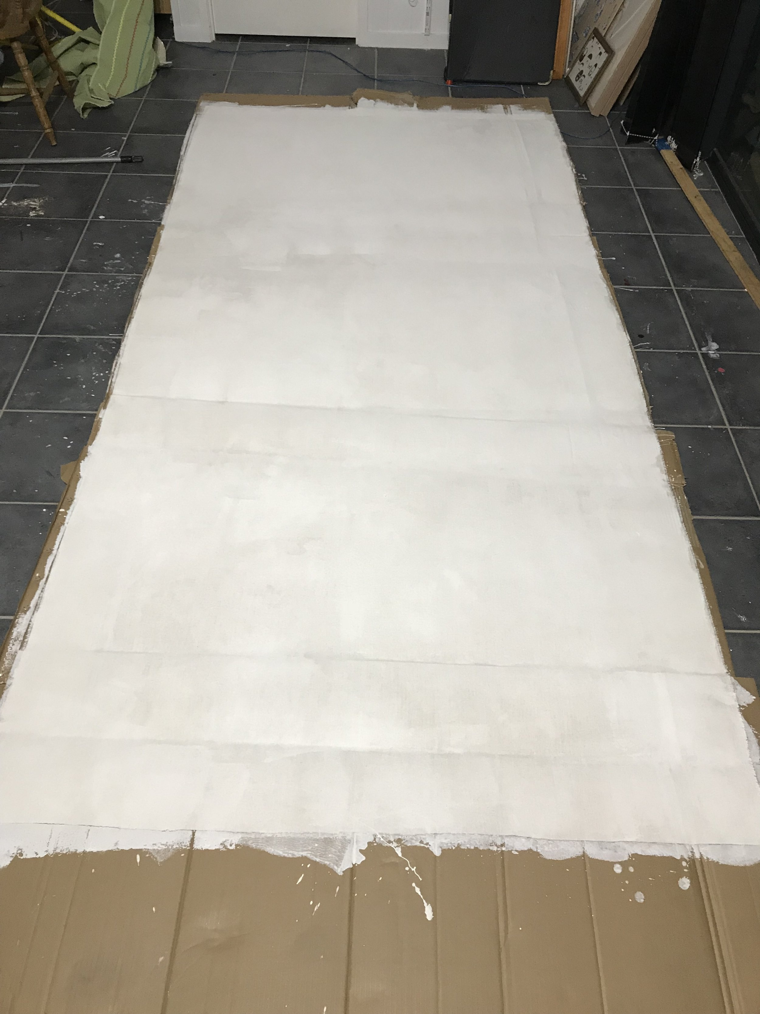 Cut a 3m piece of the linen polyester blend and started priming it.