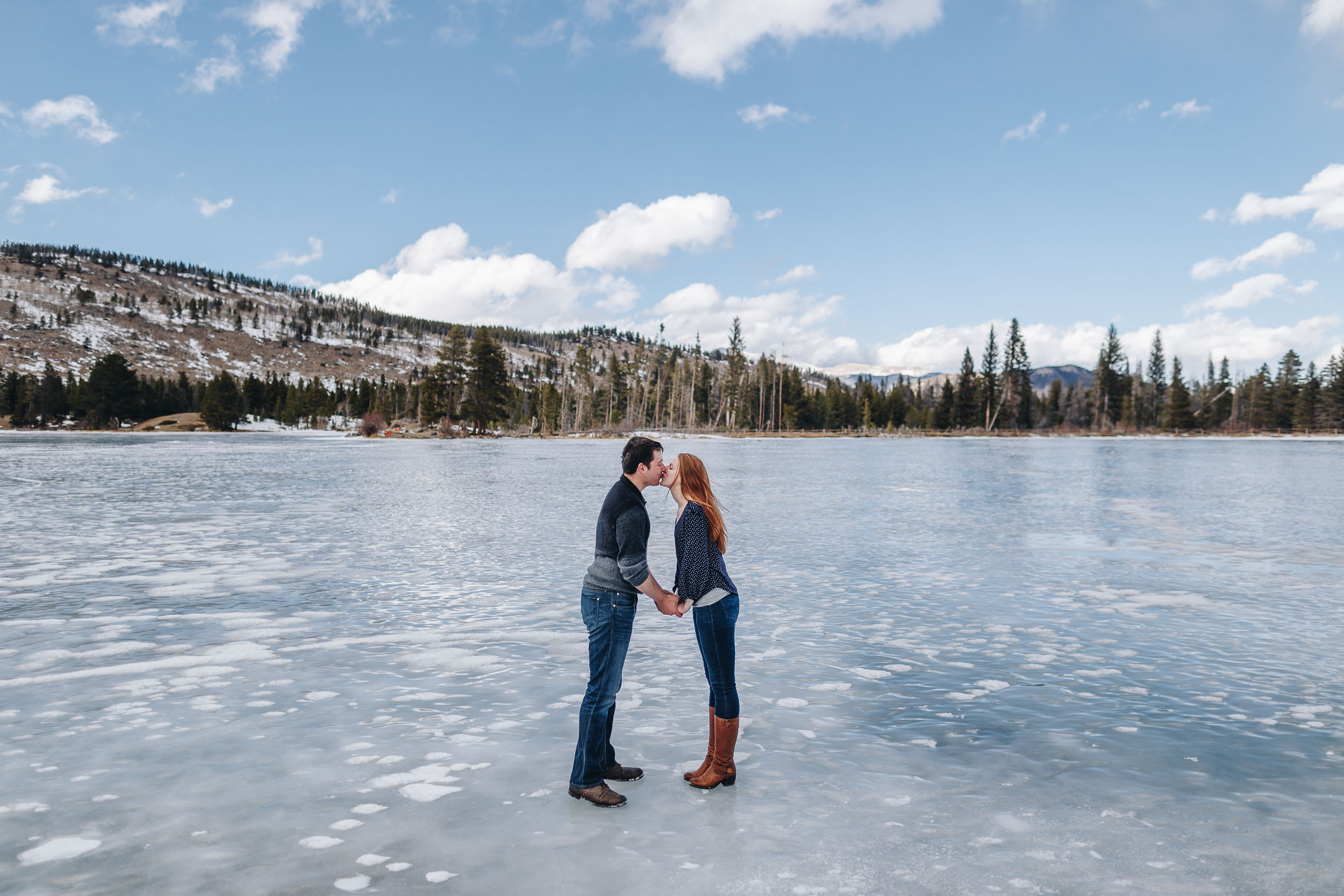Winter-engagement-photo-session-in-Rocky-Mountain-National-Park-59.jpg