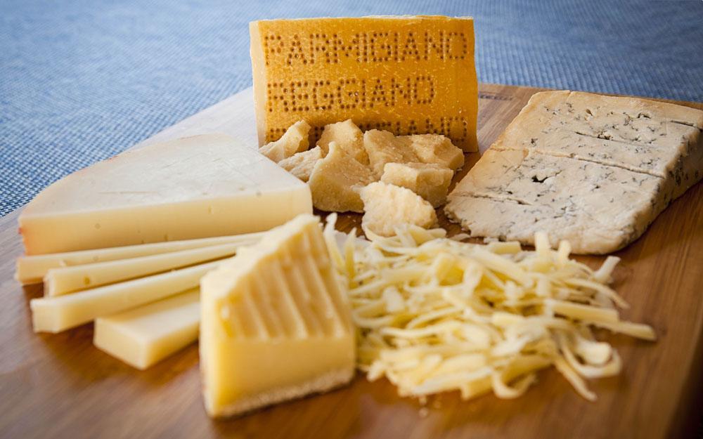 QUATTRO FORMAGGI: Our signature four cheese sauce.
