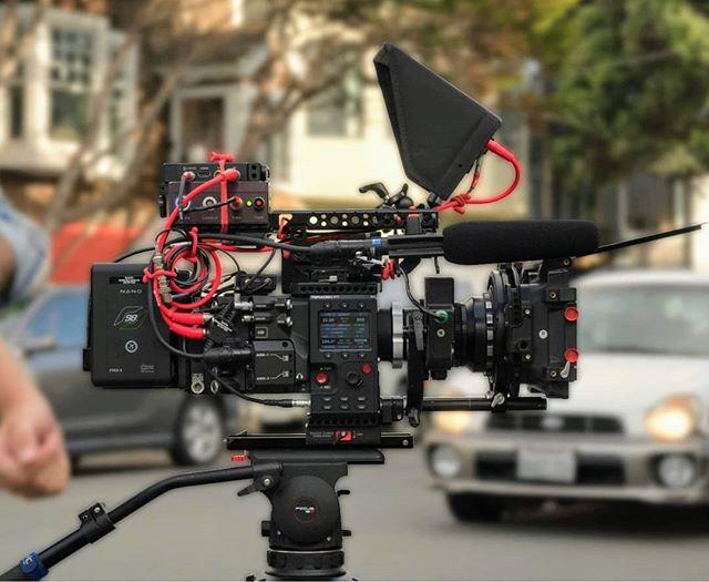 Super clean build from 1st AC @garet_jatsek on a recent short film. Making that #redgemini look good! I'm enjoying this camera tremendously and had fun creating a 70's look with the #superbaltar lenses.  Steadicam/Op: @lhsauer 1st AC: @garet_jatsek  2nd AC: @kelsey_rivera ... #reddigitalcinema #r3d #red #cameradept #dplife #directorofphotography #cinematographer #bts