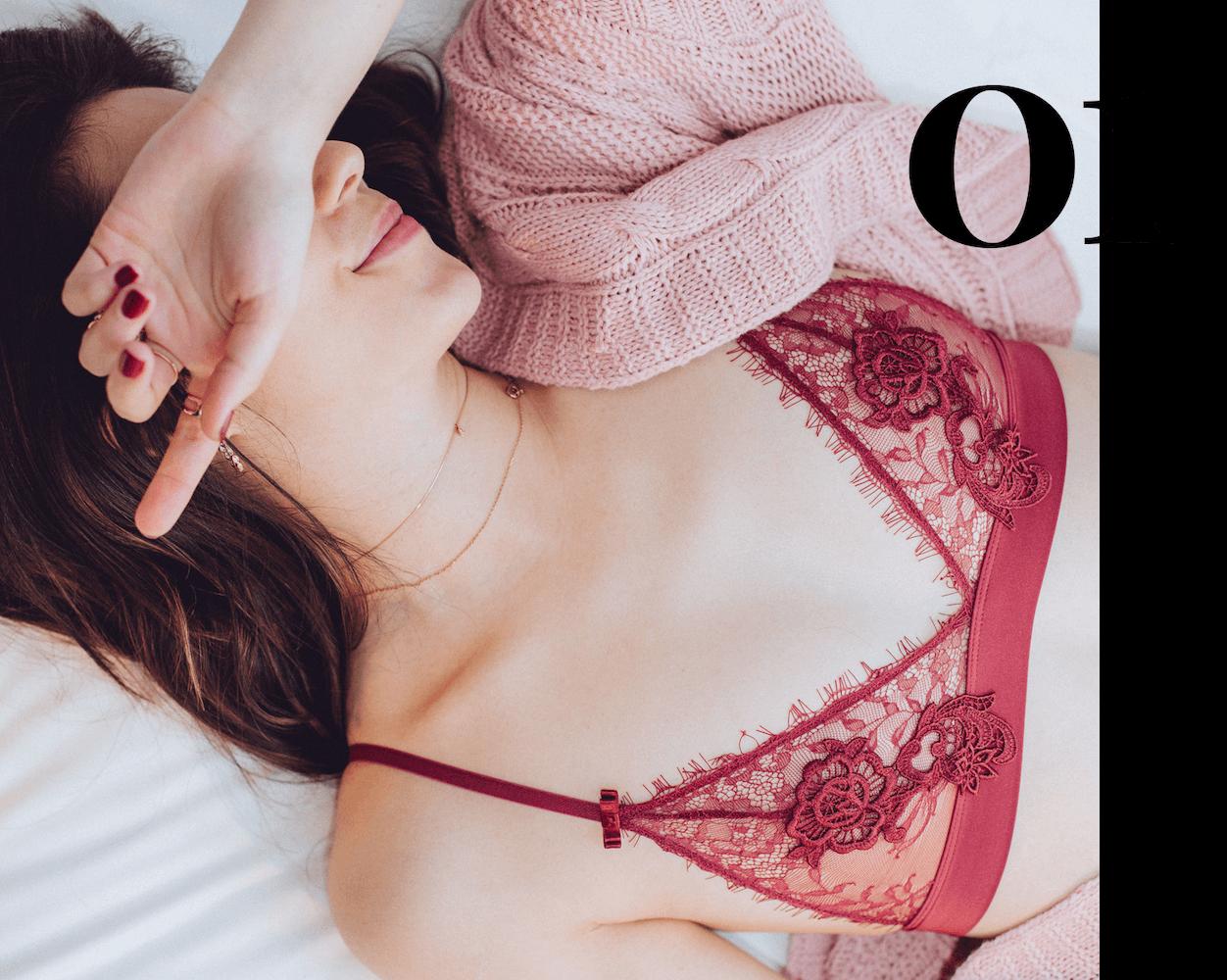 Red lace bralette set
