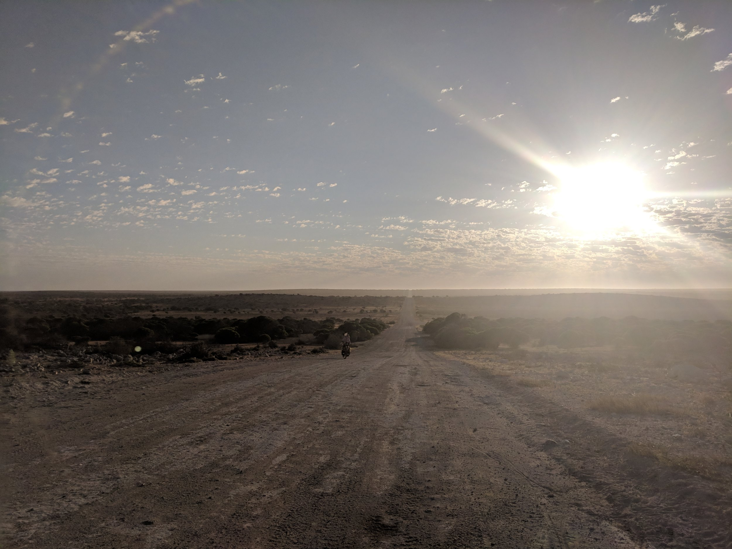 Early mornings heading west towards Useless Loop