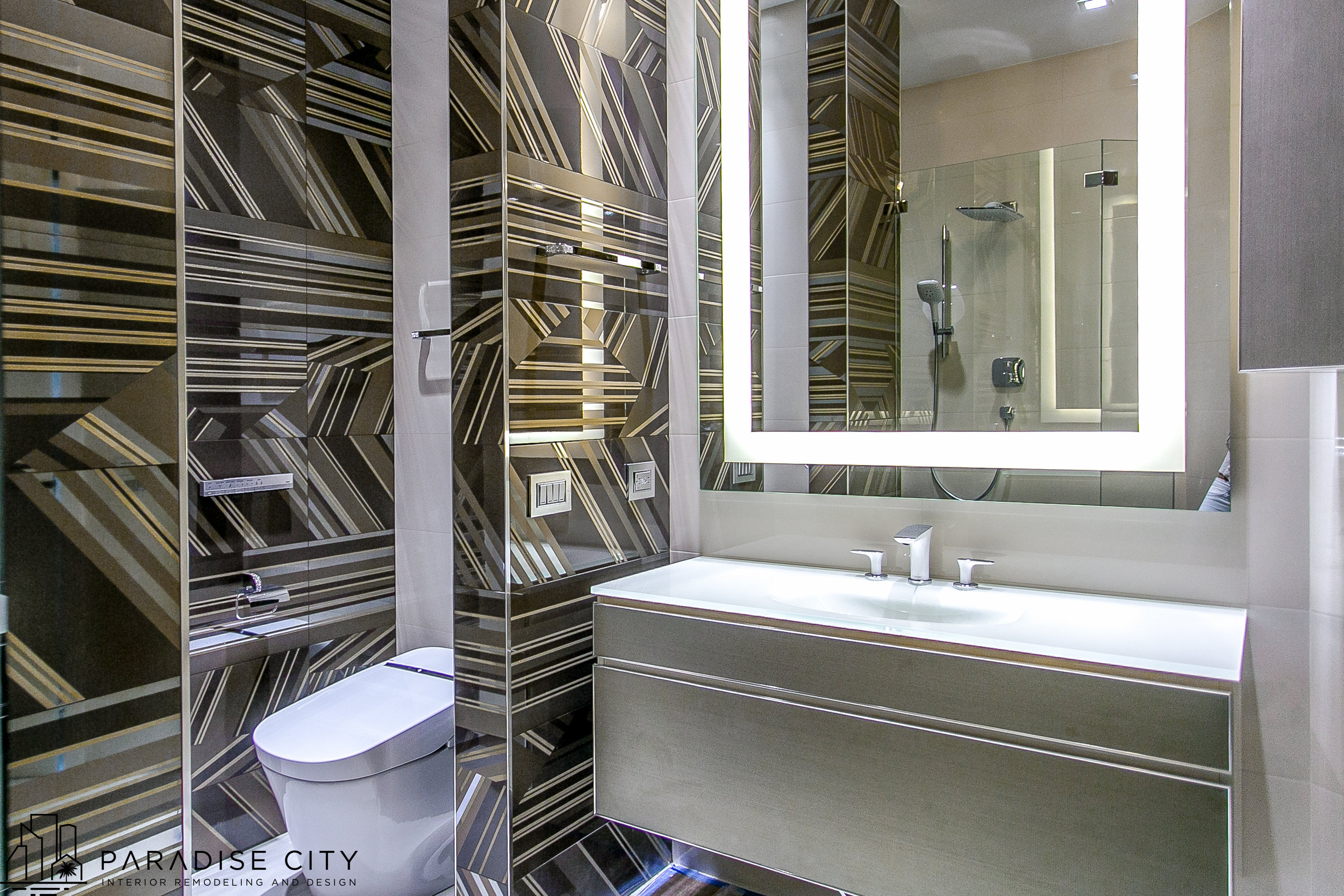 Trump Hollywood Roberto Cavalii bathroom (2 of 1).jpg