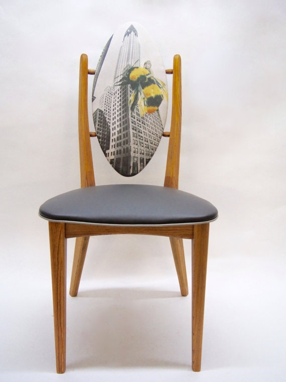 "Chaise médaillon ""King Bee"" - 350$"