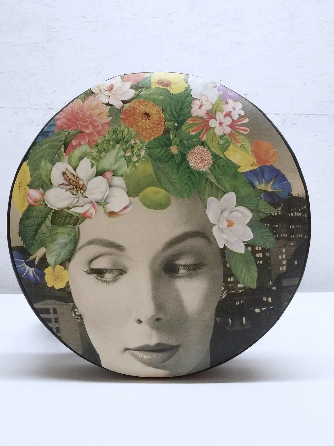 "Pouf ""Flower Muse"" - 300$"