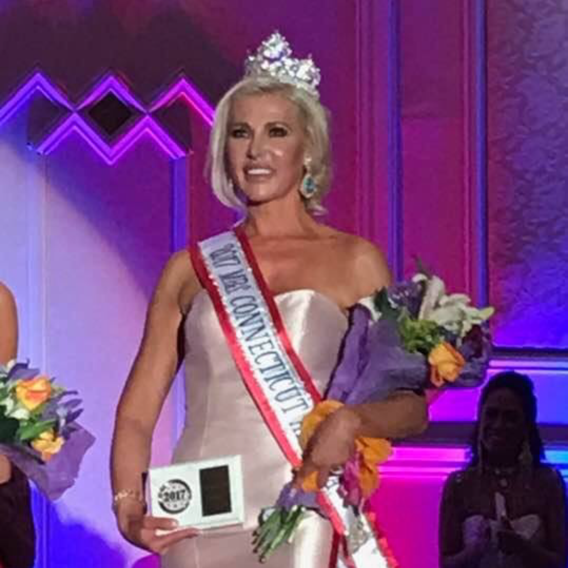 GREENWICH WOMAN WINS MRS. CT AMERICA 2017  MAY 18, 2017    SEE ARTICLE