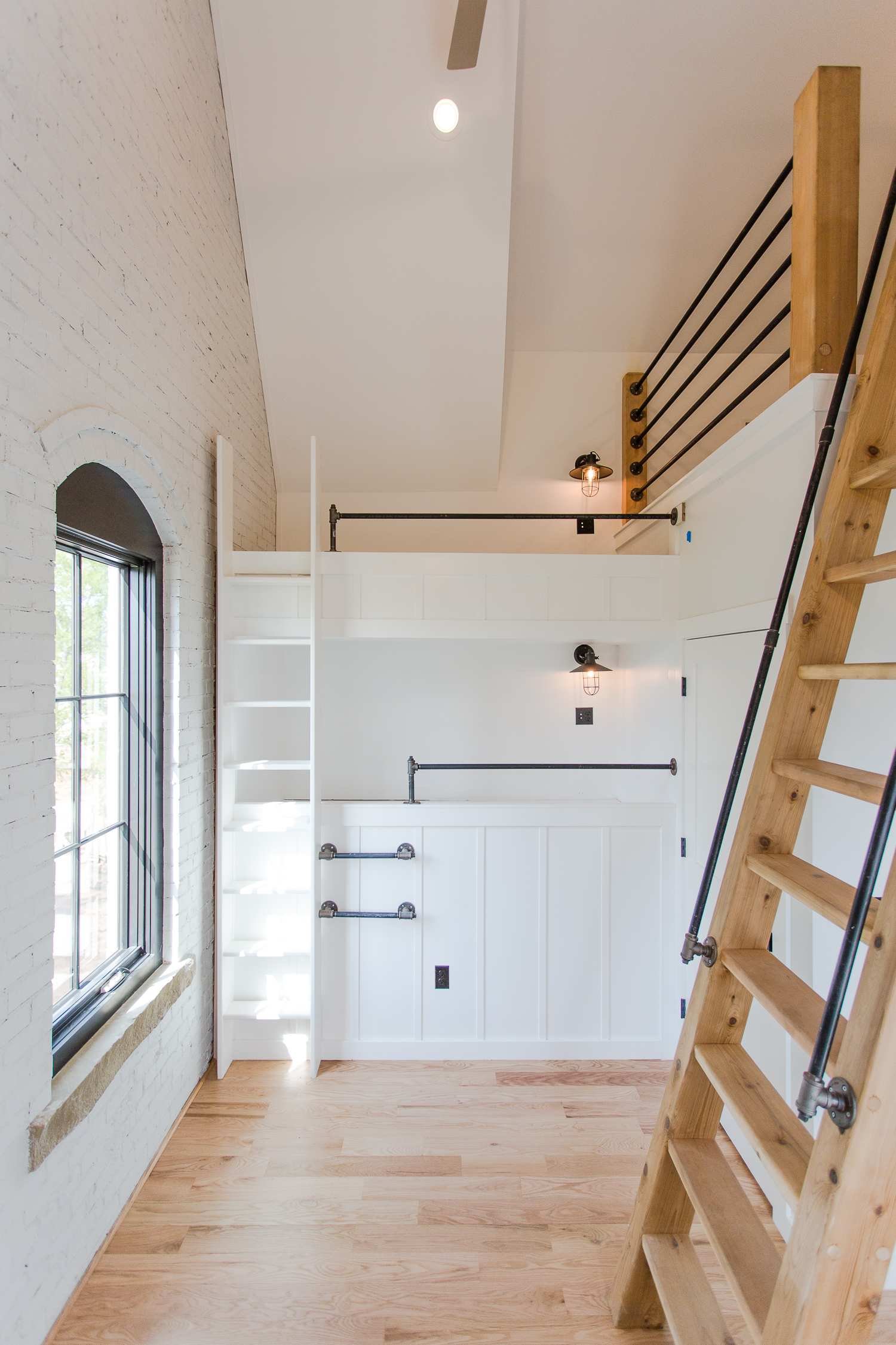 Bunk Room and Loft with Ship Ladder - by Building Culture