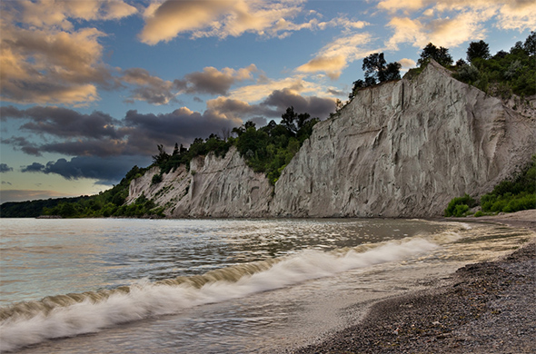 I gained experience shooting luxurious NAUTICA bedding on a pristine beach at sunrise. Pictured above Scarbourough Bluffs, Toronto.