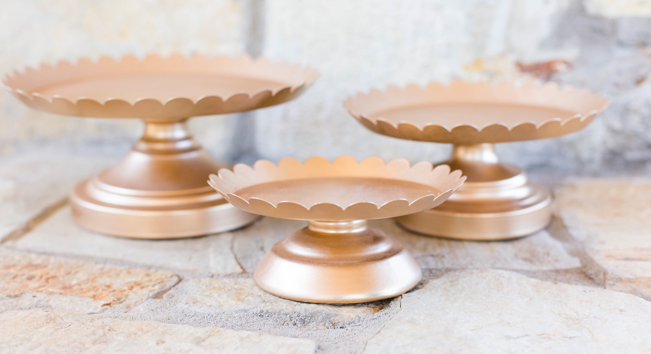 set of 3 gold dessert stands.jpg