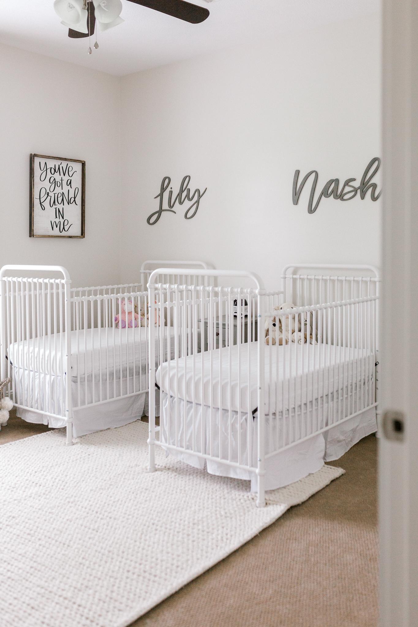 Lily and Nash Newborns-20.jpg