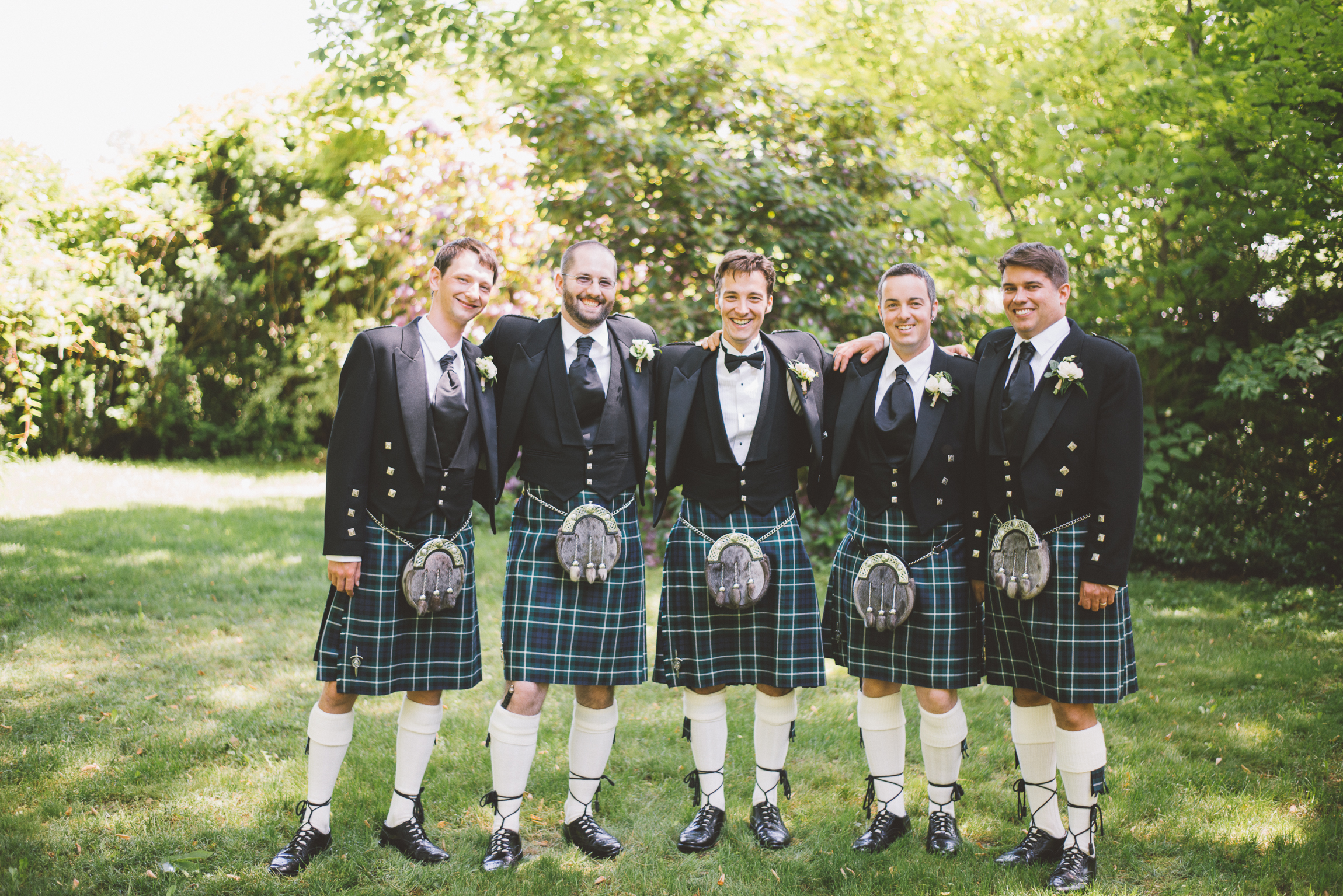 amanda cowley events niagara wedding planner kurtz orchard gracewood estate groomsmen traditional scottish kilt tartan attire sporan