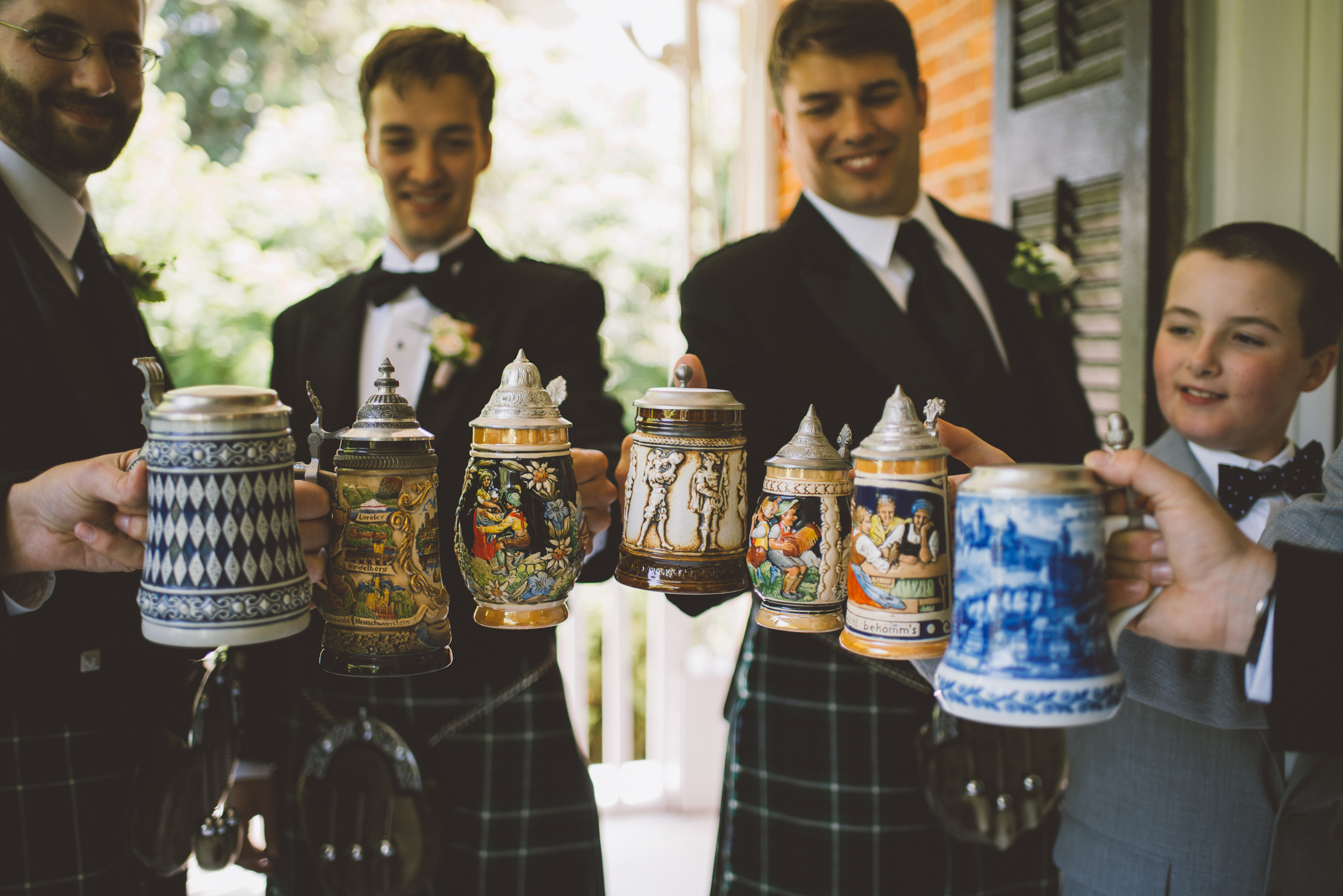 amanda cowley events niagara wedding planner kurtz orchard groomsmen beer steins cheers gift