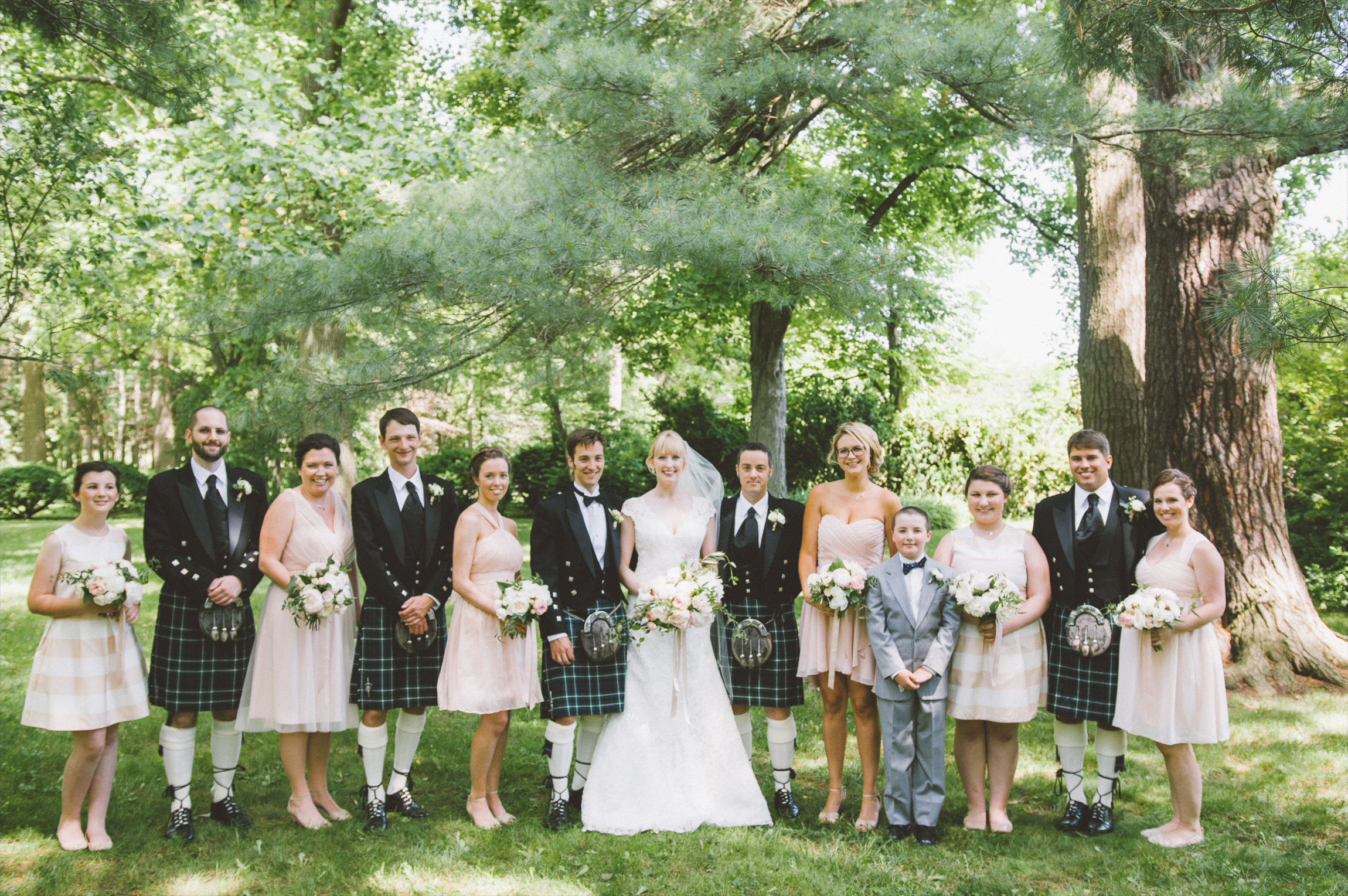 amanda cowley events niagara wedding planner kurtz orchard gracewood estate family portraits formal trees