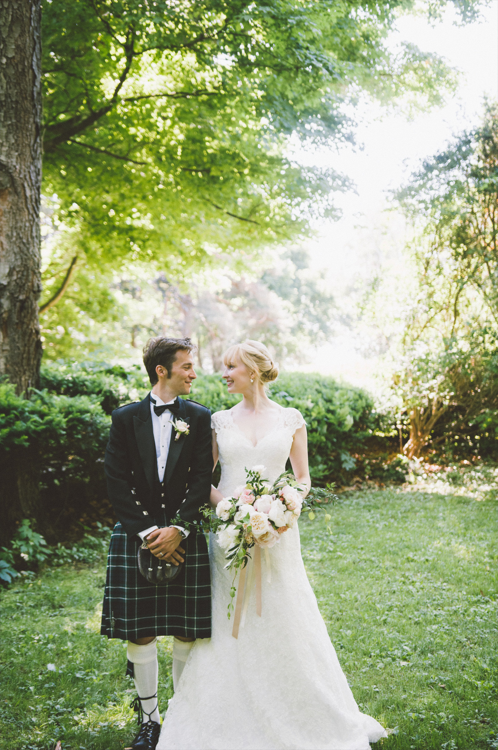 amanda cowley events niagara wedding planner kurtz orchard bride and groom kilt formal scottish attire