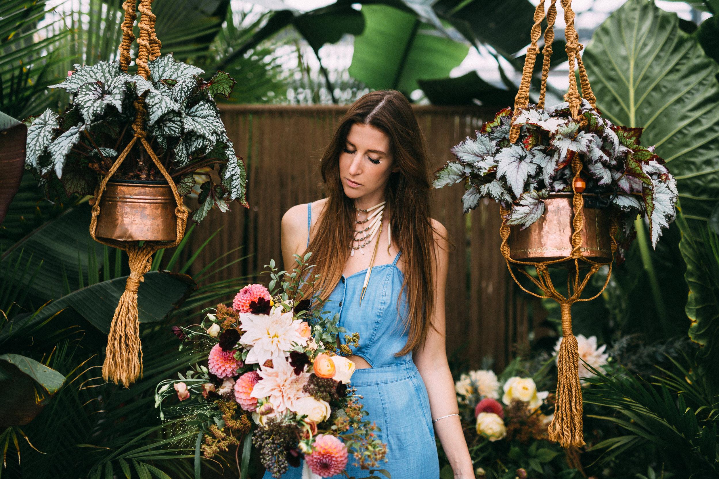 amanda cowley events niagara wedding planner free spirit styling bohemian style macrame hanging planter