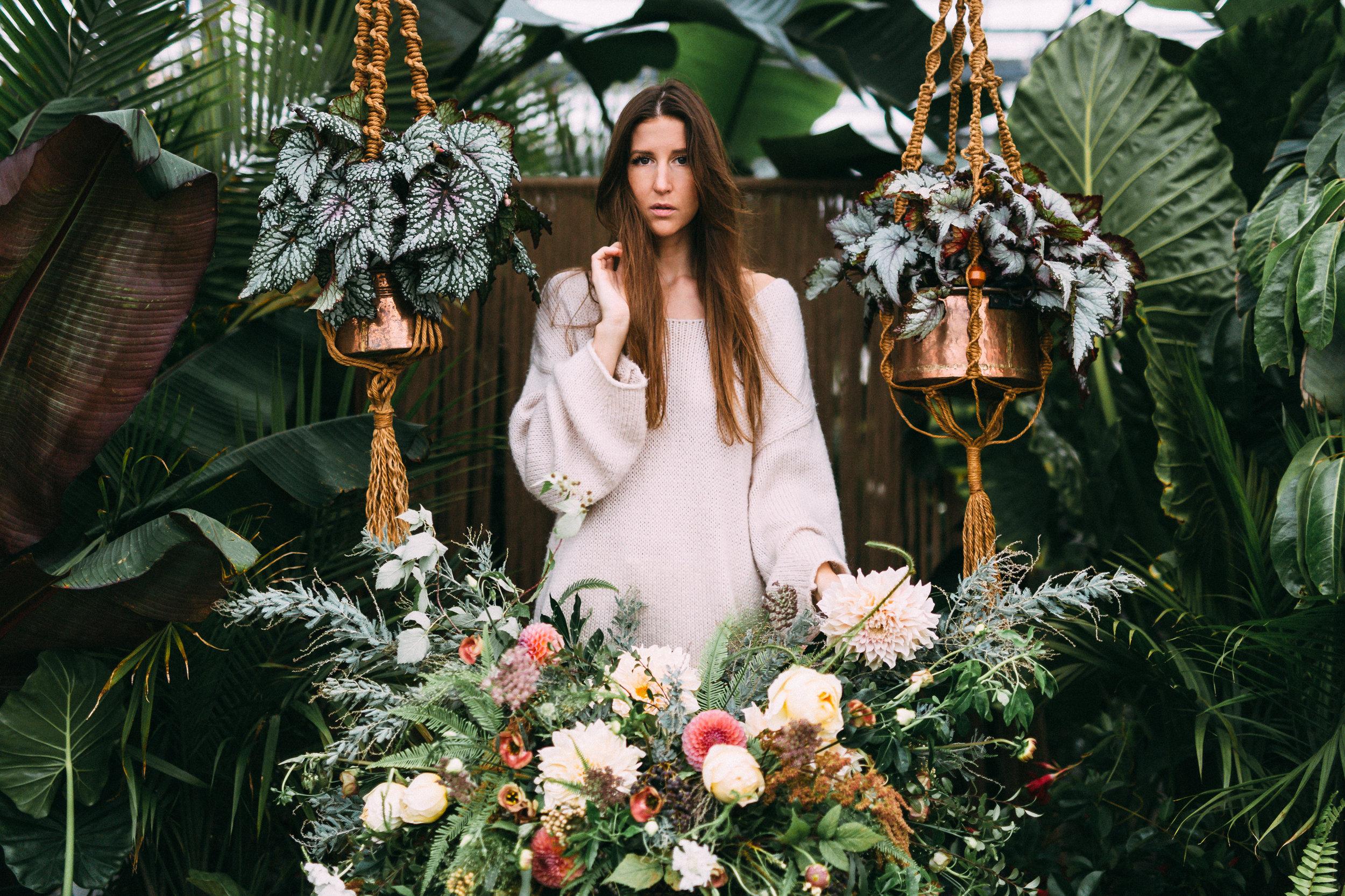 amanda cowley events niagara wedding planner free spirit styling bohemian style wicker planter