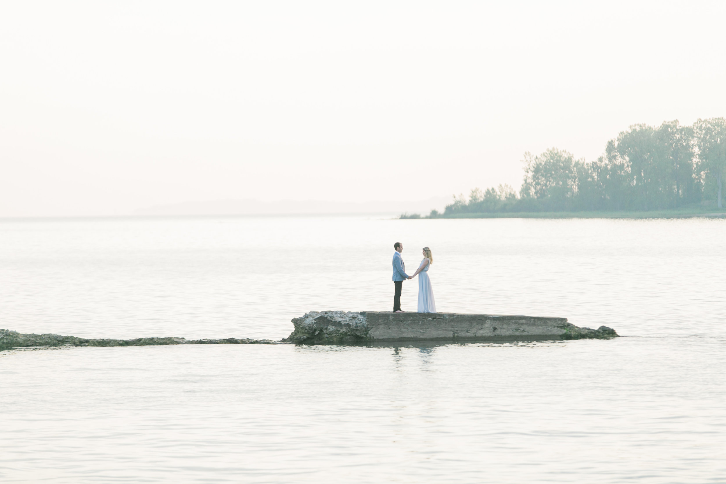 amanda cowley events niagara wedding planner beach engagement session sunset romantic in the water
