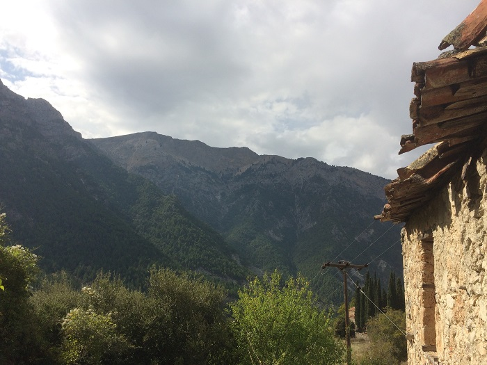 Grandfathers mountain and cottage (Kalivi)