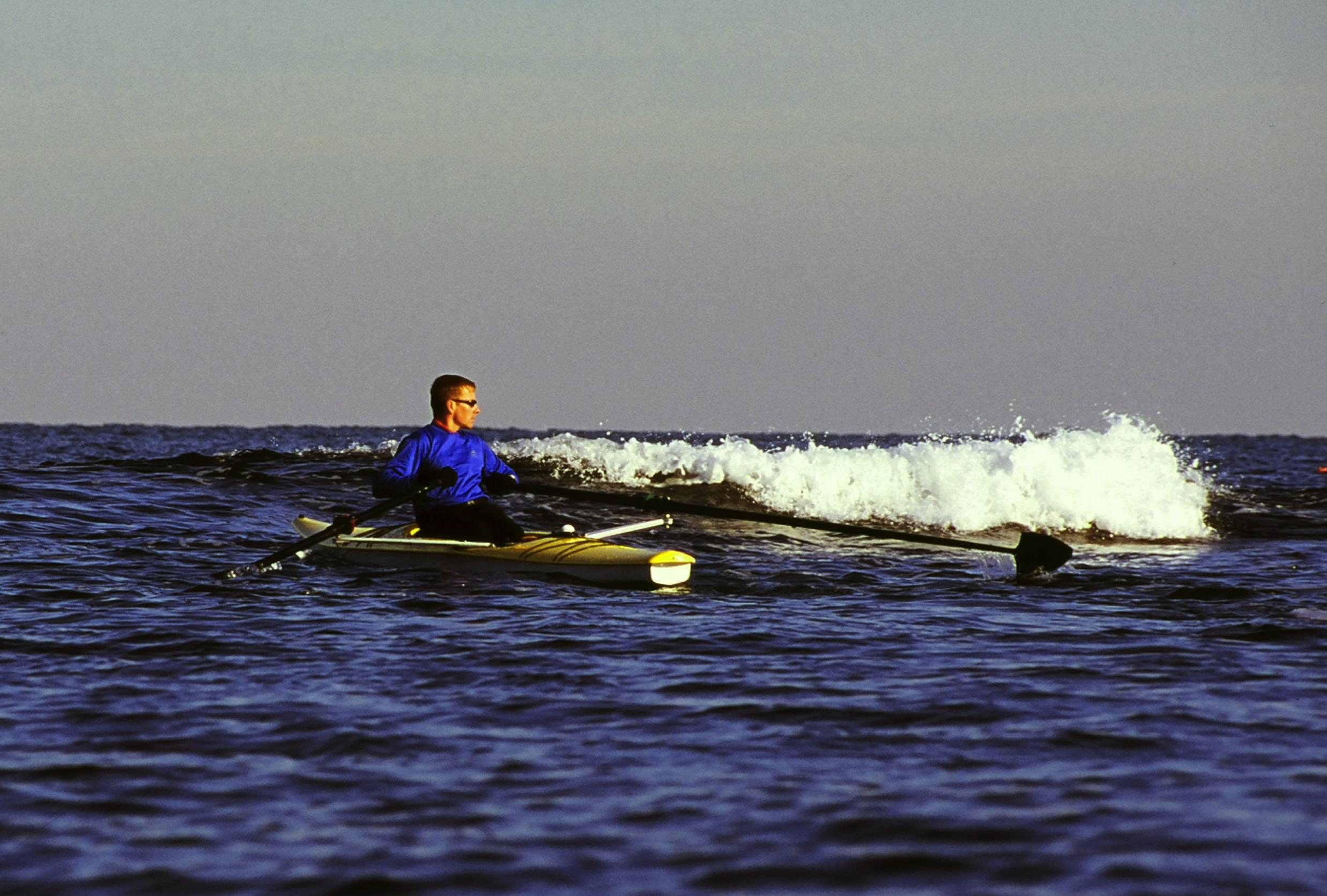 Islander wave.jpg