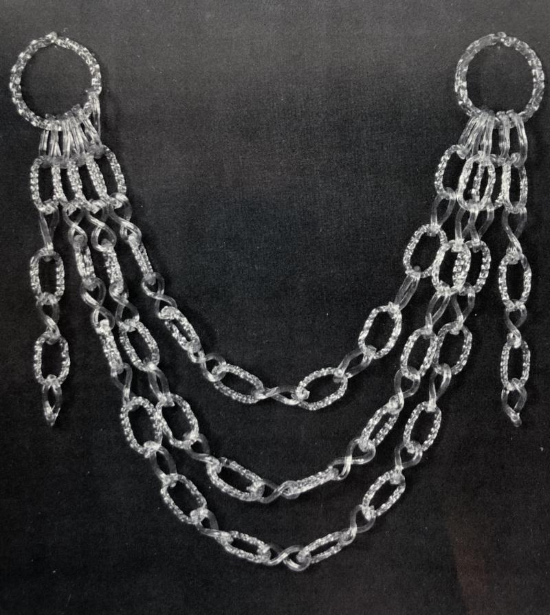 A twisted chain link aqua glass swag