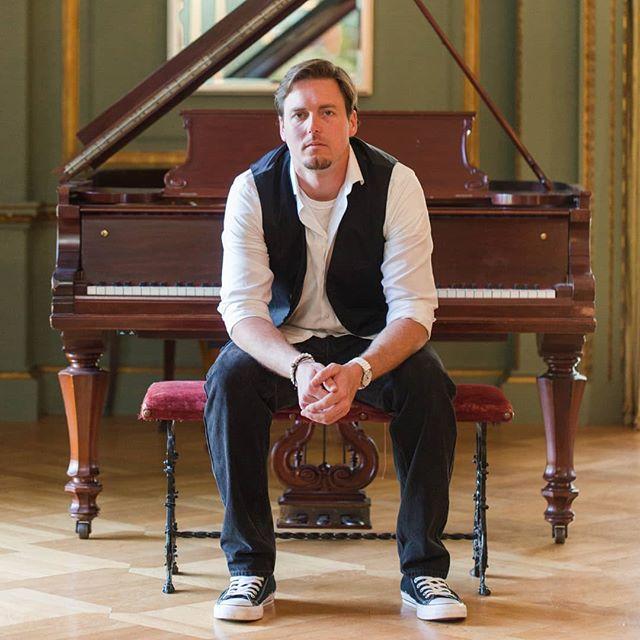 Next album cover? 🤔  #syts #pianist #composer #recordingartist