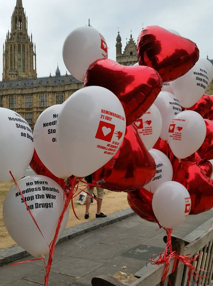 In front of Parliament House, London, our peers came together for an intimate moment. -remembering and paying tribute to loved ones lost in this War on Drugs.