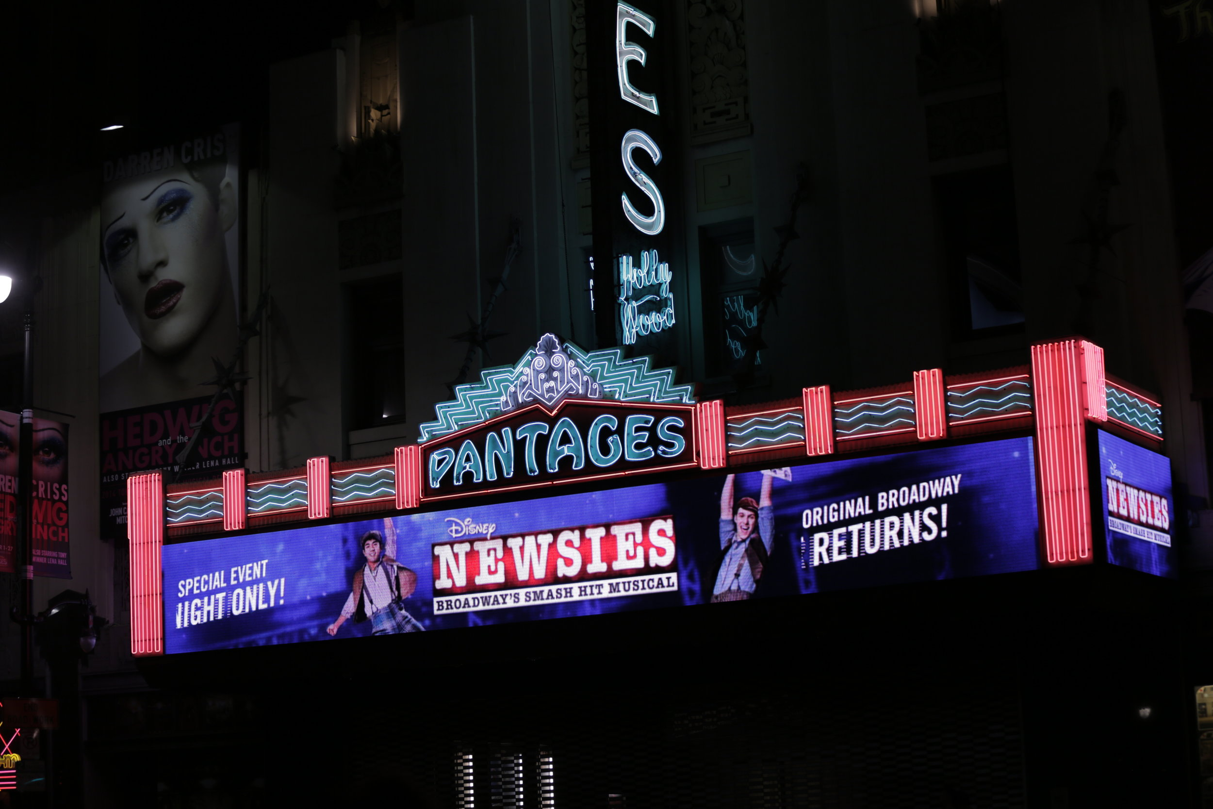 Newsies_Filming_FrontofHouse_Photo_By_DisneyTheatricalProductions6.JPG