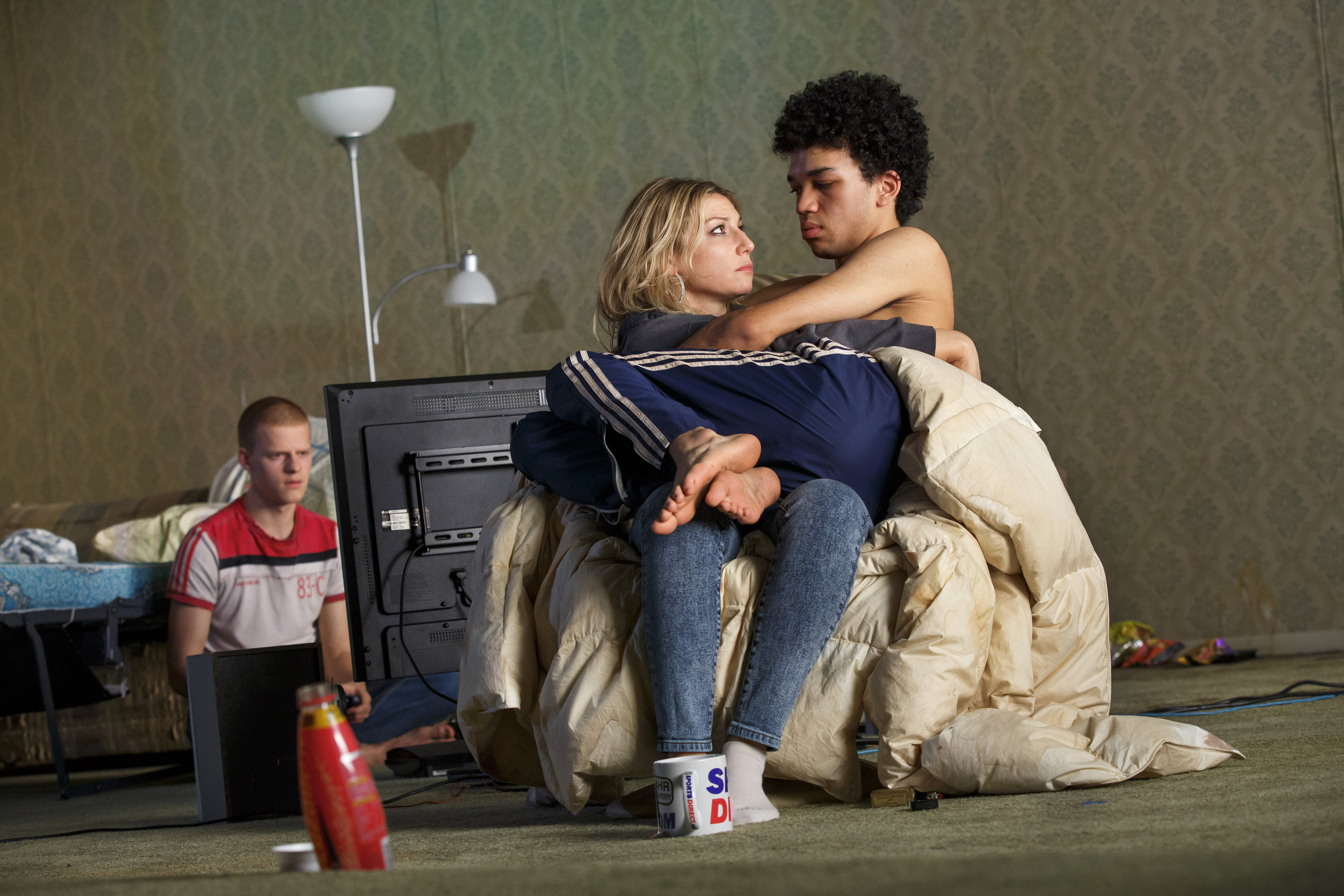 096.Lucas-Hedges-Ari-Graynor-and-Justice-Smith-in-YEN-at-MCC-Theater-Photo-by-Joan-Marcus-WEB.jpg