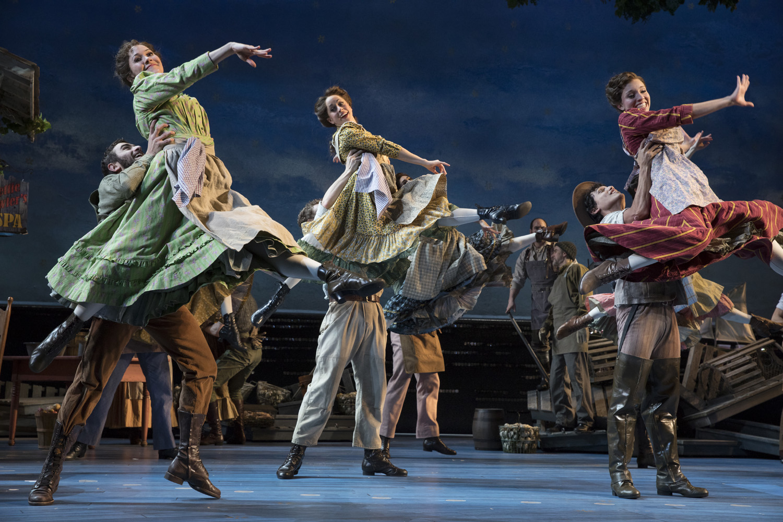 CAROUSEL-On-Broadway.2.Photo-by-Julieta-Cervantes.jpg