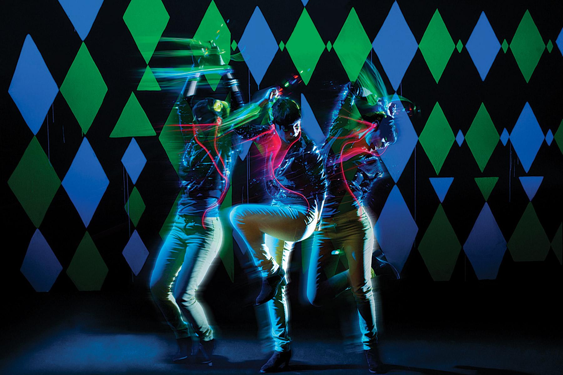 Smirnoff Midnight Circus: Tune In