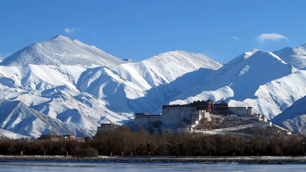 Potala Palace wintertime.jpg