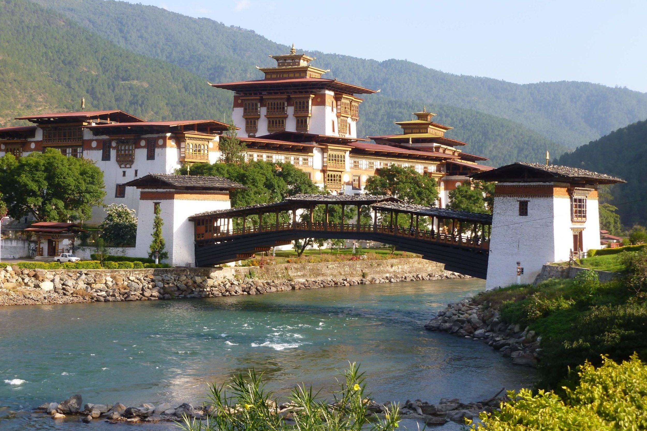 Punakha Dzong - The second oldest and second largest Dzong in Bhutan, Punakha holds the sacred artefacts of the Kagyu lineage, plus relics of Terton Pema Lingpa.