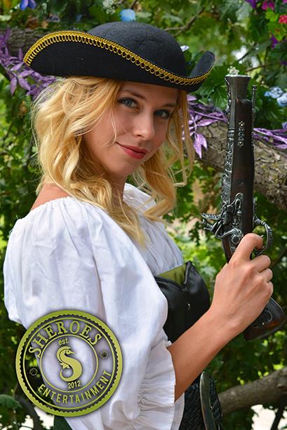 Pirate Lona with Gun.png