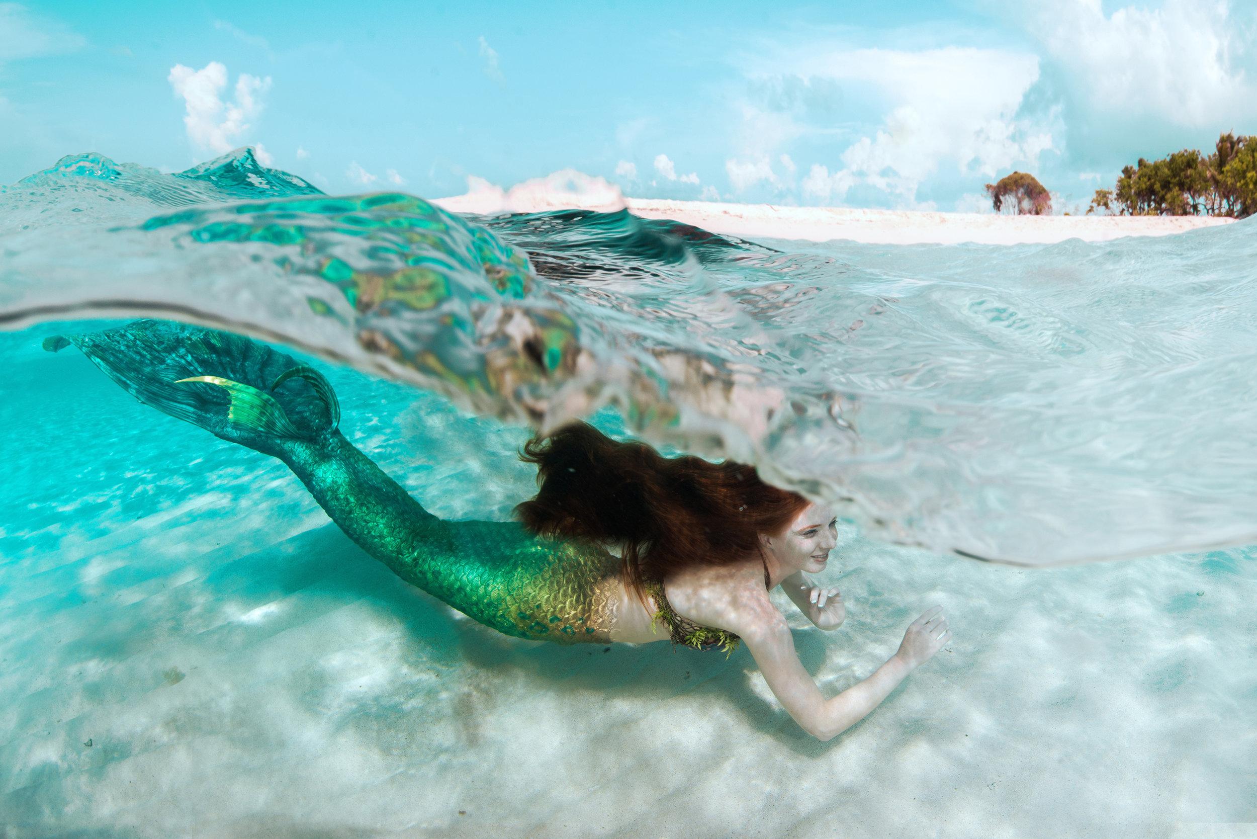 Resort Mermaid Swim Show