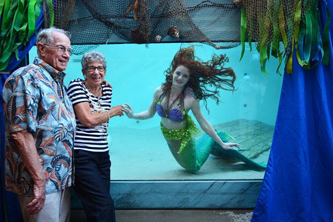Senior-Citizens-with-Mermaid-At-Aquarium-2.jpg
