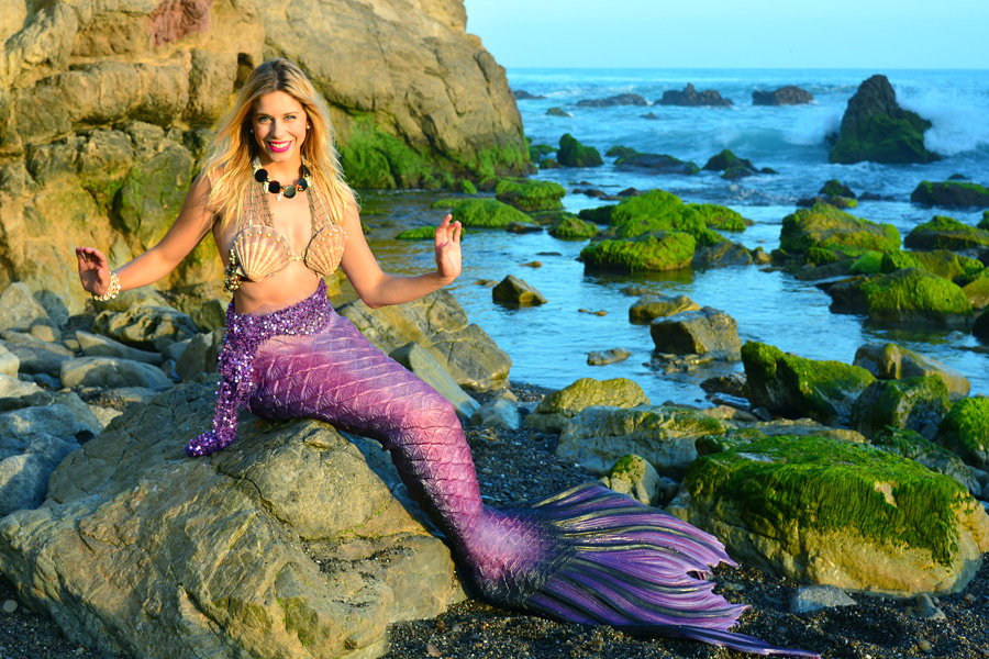 Professional Mermaid Lona at Beach 2.jpg