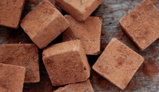 Intrigue-Chocolate-Co-Viscon-Cellars-Winery