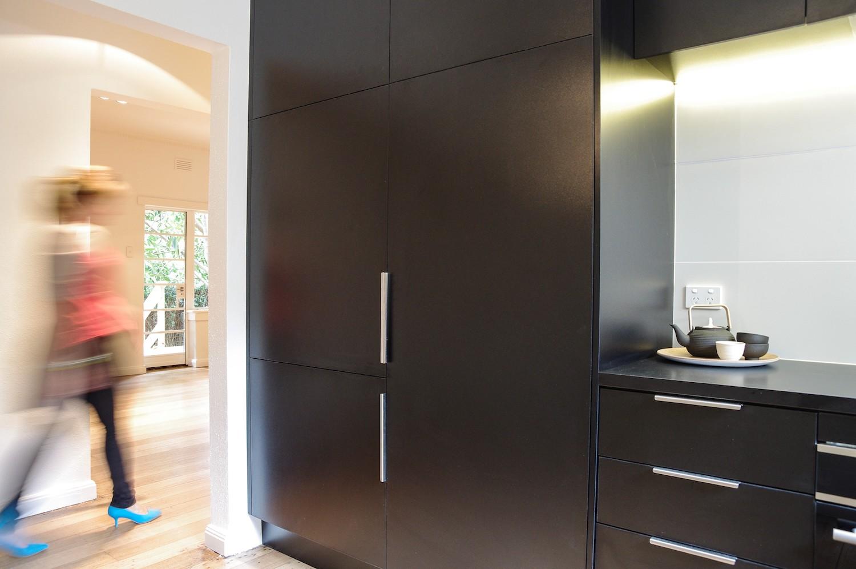 Nido Studio-Toorak Residence-detail-kitchen-optimised.jpg