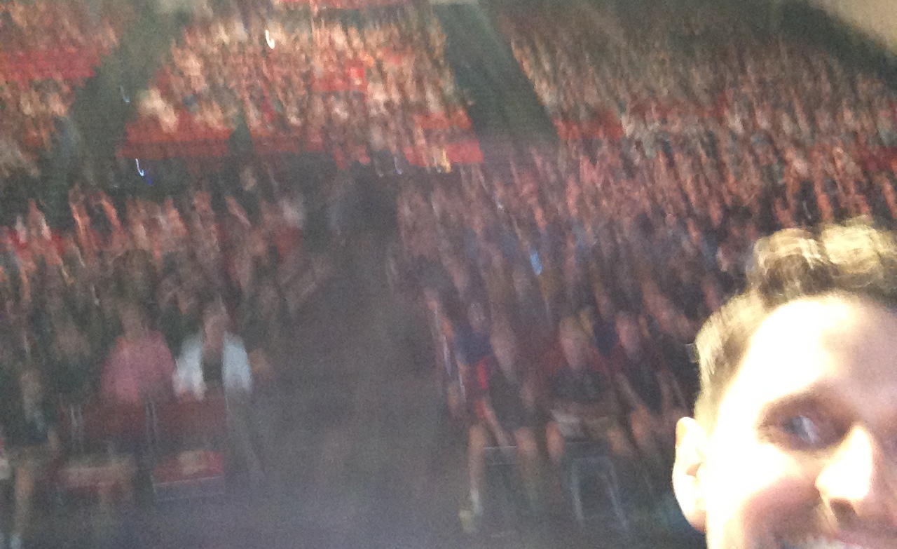 Great crowd - terrible photo! I'll stick to writing and drawing and leave the photography to the professionals. Epic Selfie Fail!