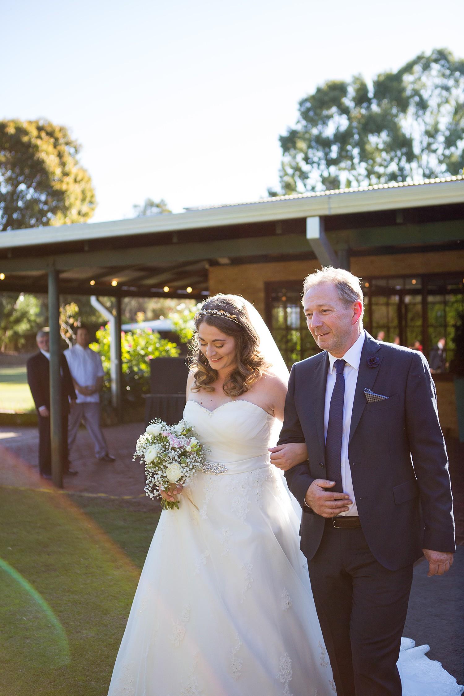 perth_wedding_spring_bridgeleigh_estate_0035.jpg