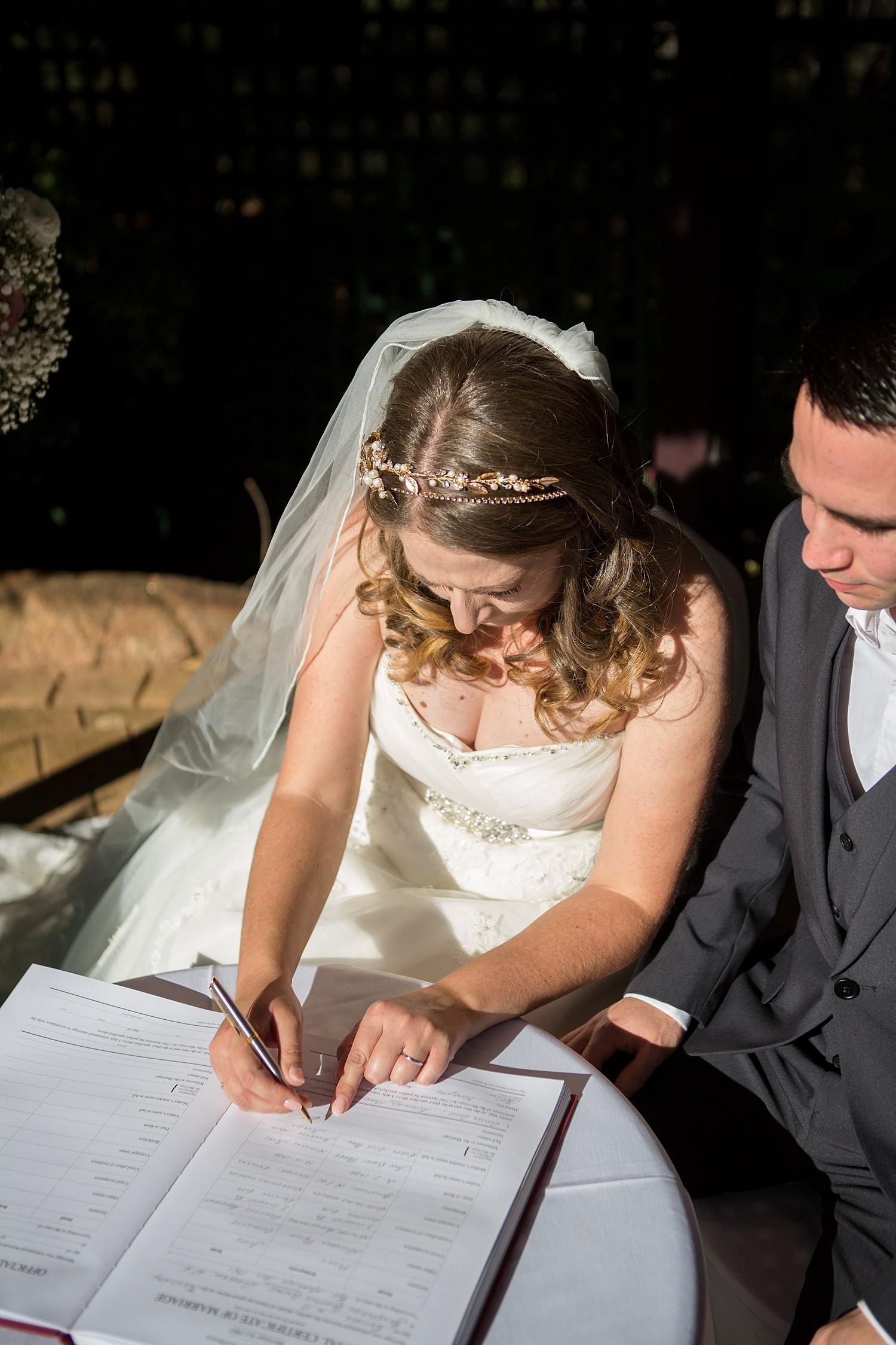 perth_wedding_spring_bridgeleigh_estate_0049.jpg