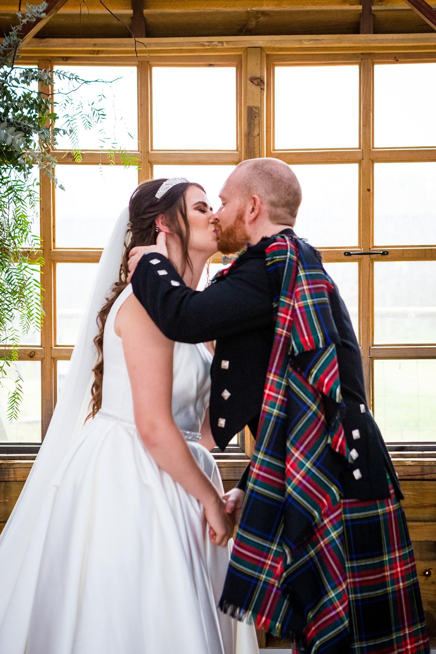 perth_swan_valley_scottish_rainy_wedding_0060.jpg