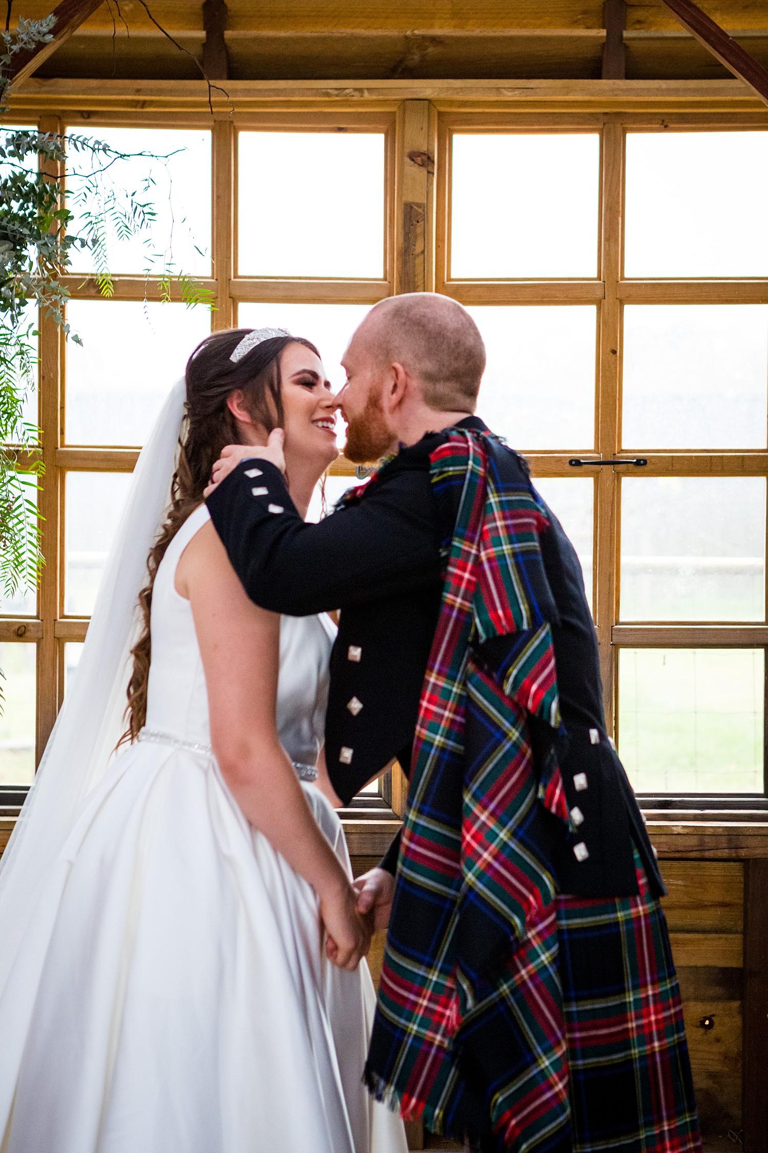perth_swan_valley_scottish_rainy_wedding_0061.jpg