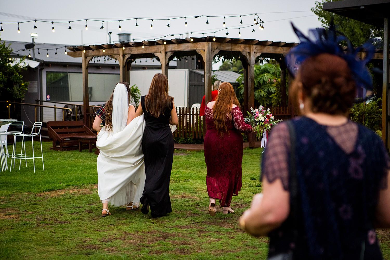 perth_swan_valley_scottish_rainy_wedding_0070.jpg