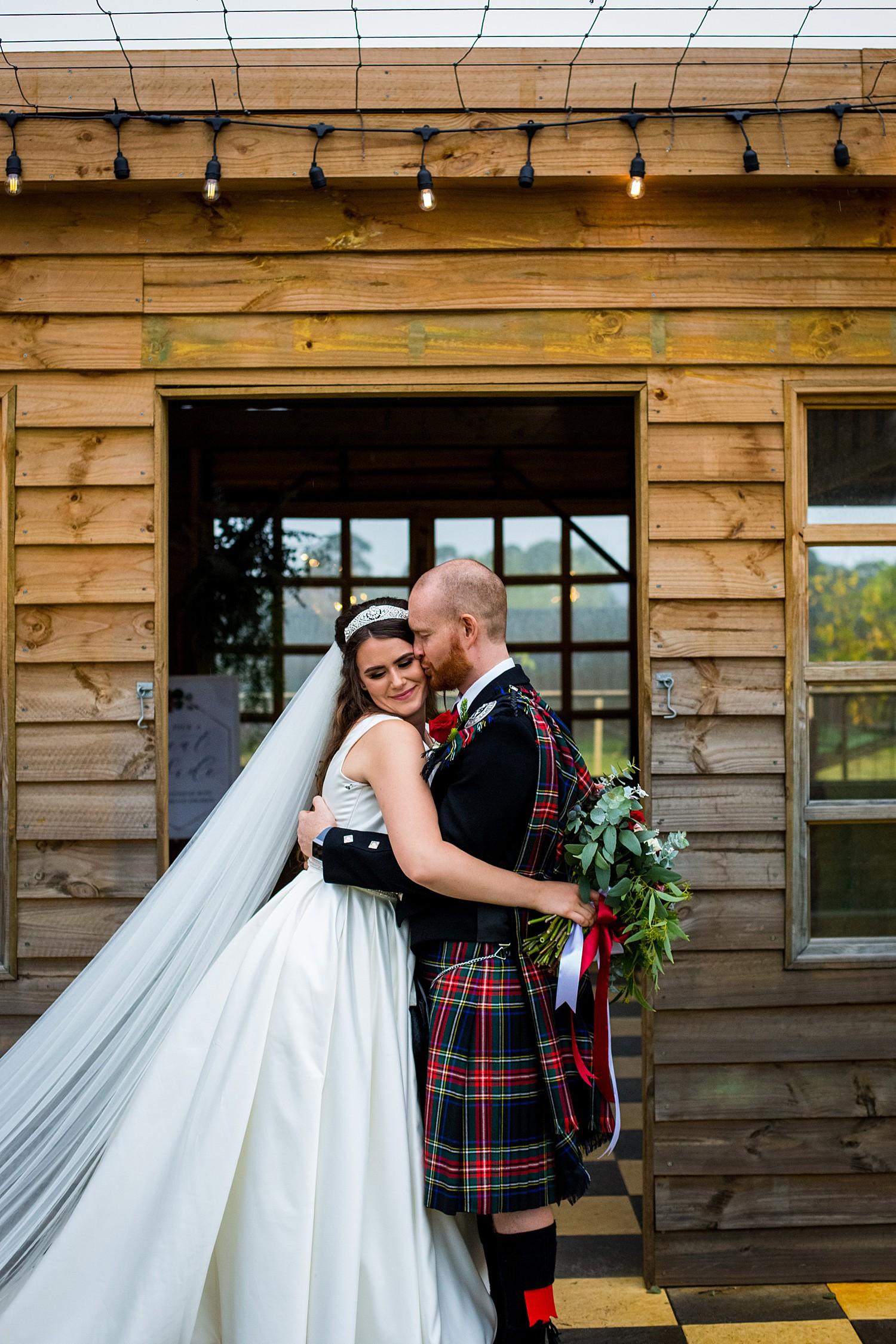 perth_swan_valley_scottish_rainy_wedding_0088.jpg
