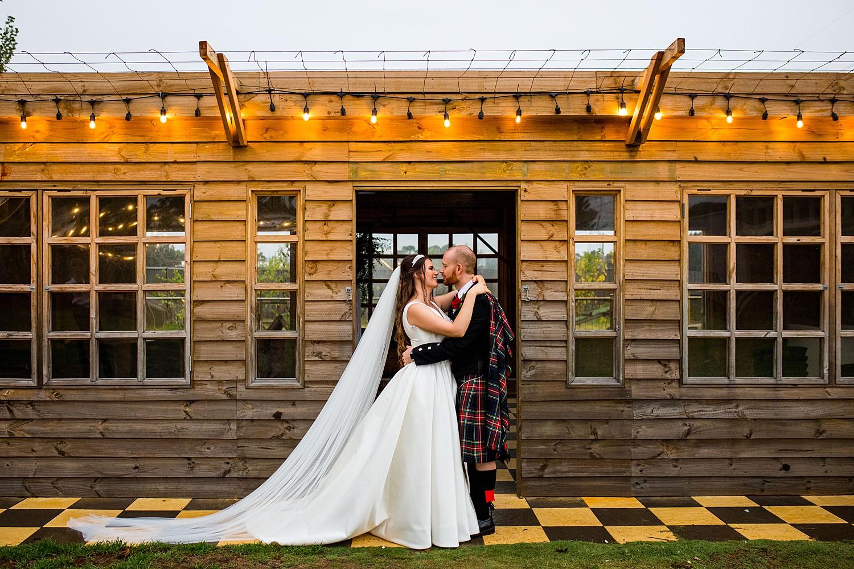 perth_swan_valley_scottish_rainy_wedding_0089.jpg